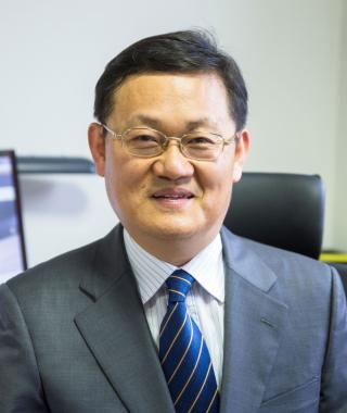 Korean economist Jong-Wha Lee is an expert on topics including both economic growth and financial crises.